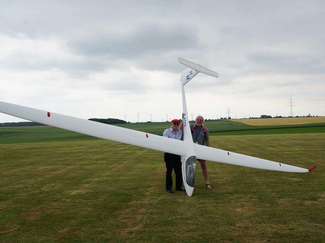 ASH-31 im Maßstab 1:2,25 von HKM mit 9,5 Meter Spannweite