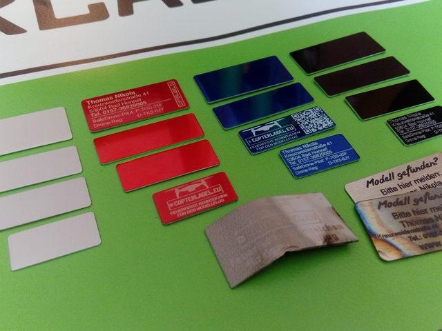 Plaketten zur Identifizierung von Flugmodellen ab 250 Gramm Gewicht von Copterlabel.eu
