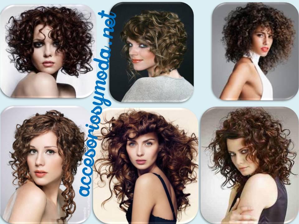 Corte de cabello rizado en capas