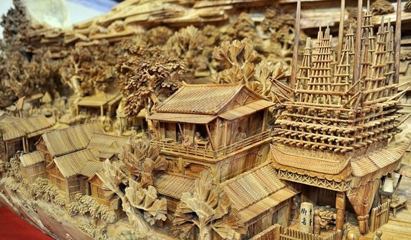 woodcarving_intricatehomes005