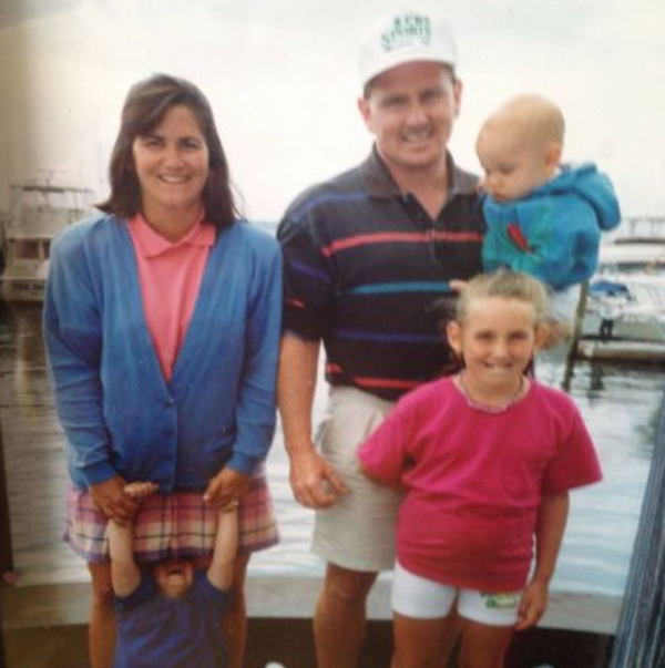 family-photo-gone-wrong-skirt