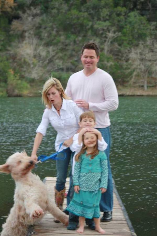 family-photo-gone-wrong-dog-water