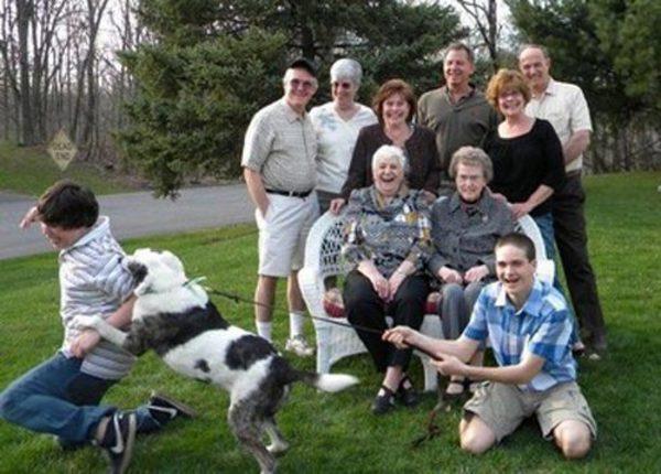 family-photo-gone-wrong-dog