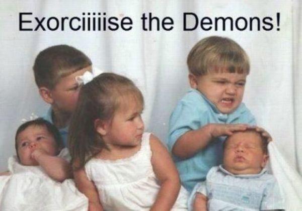 family-photo-gone-wrong-exorcise
