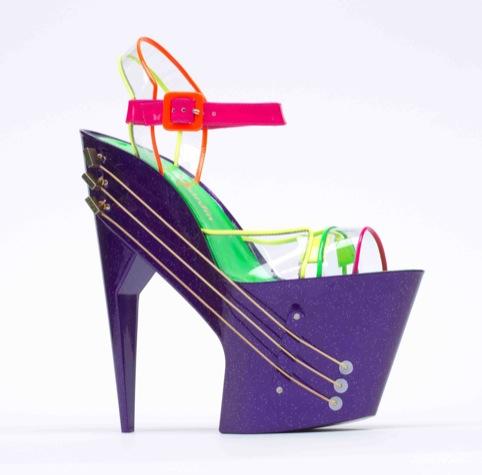 E-Shoe (high-heeled shoe guitar), Chicks on Speed