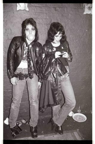 Gaye Advert and Joan Jett, 1977