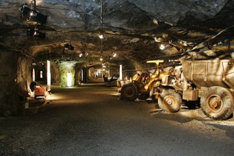 Muru Pops Down - a restaurant in a mine