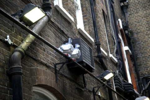 8Bit pigeons roosting