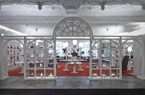 The entrance to the space is inspired by Covent Garden Opera House