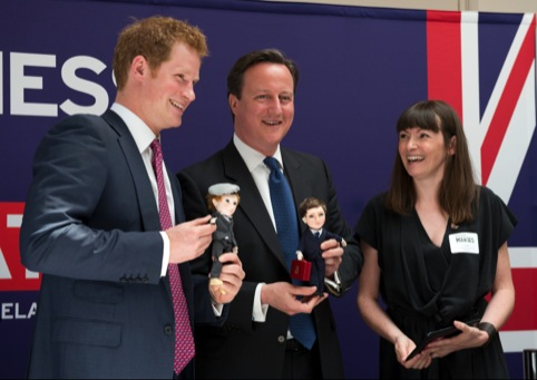 Customisable Makies dolls, with fans