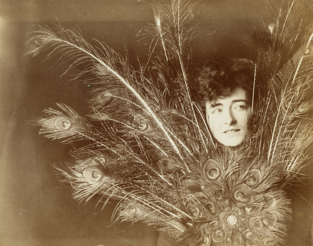 Eileen Gray taken in Paris circa 1902 when she was a student. Copyright National Museum of Ireland.