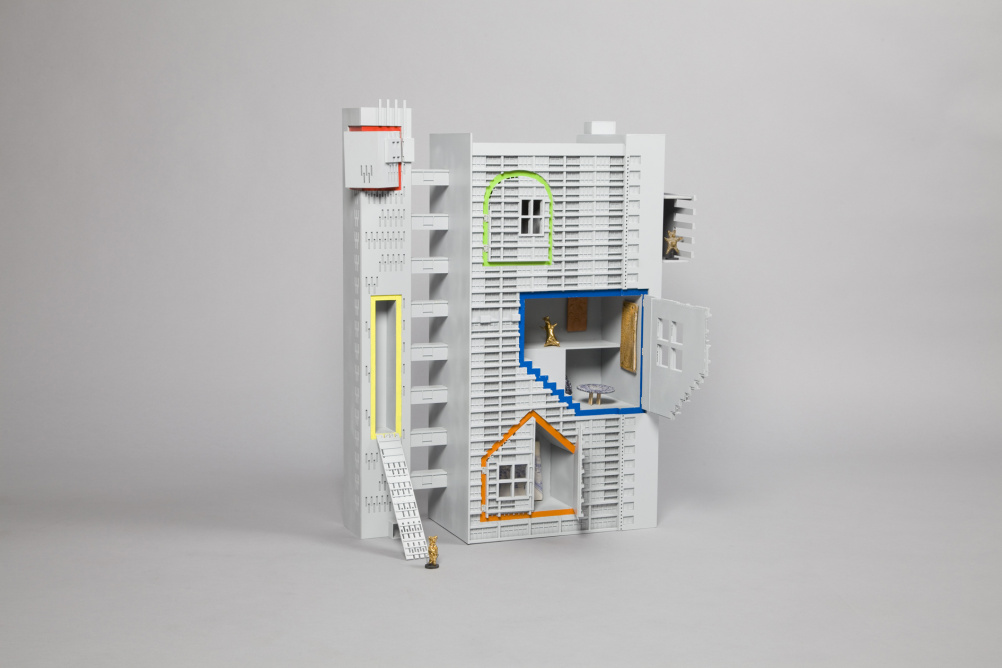 Dolls' house by FAT