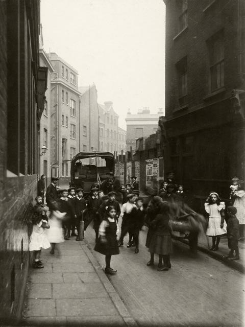 Bell Lane, towards Crispin Street