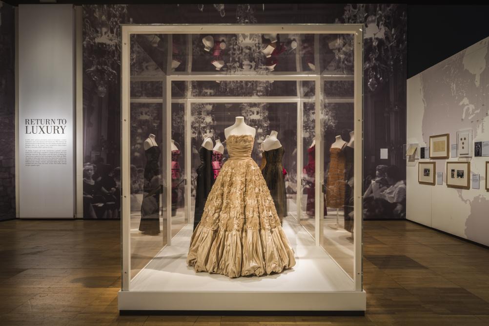 The Glamour of Italian Fashion 1945-2014