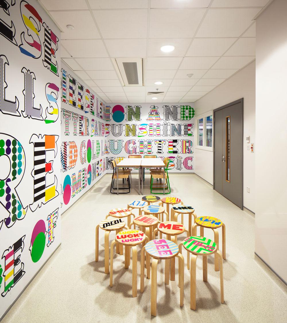 © Luke Hayes. Royal London Hospital, Bart's New Children's Hospital dining rooms