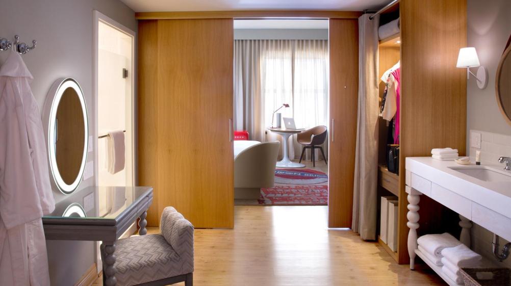 Chamber (guestroom) Virgin Hotels Chicago