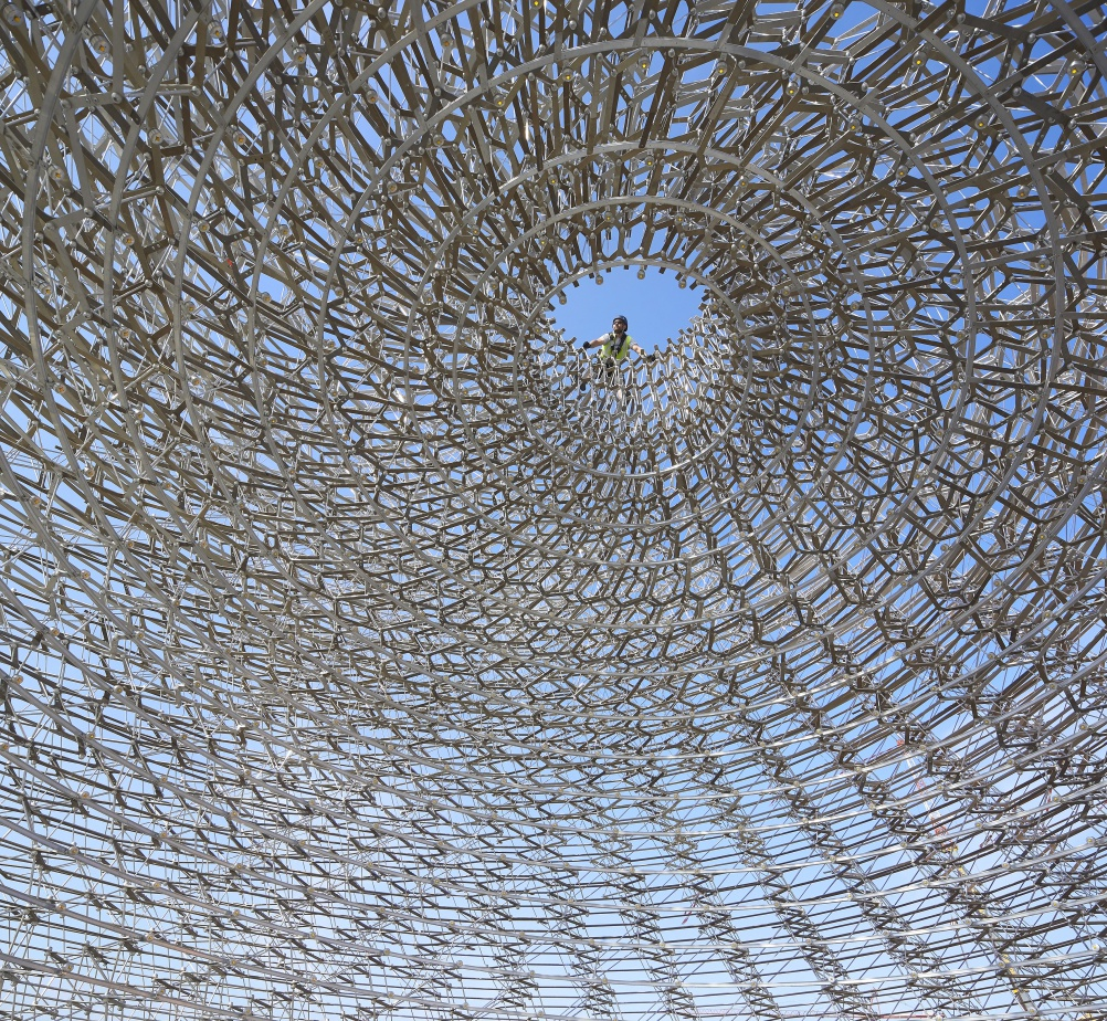 Inside the UK Pavilion Hive by day. © Crown Copyright. Photo: Hufton+Crow