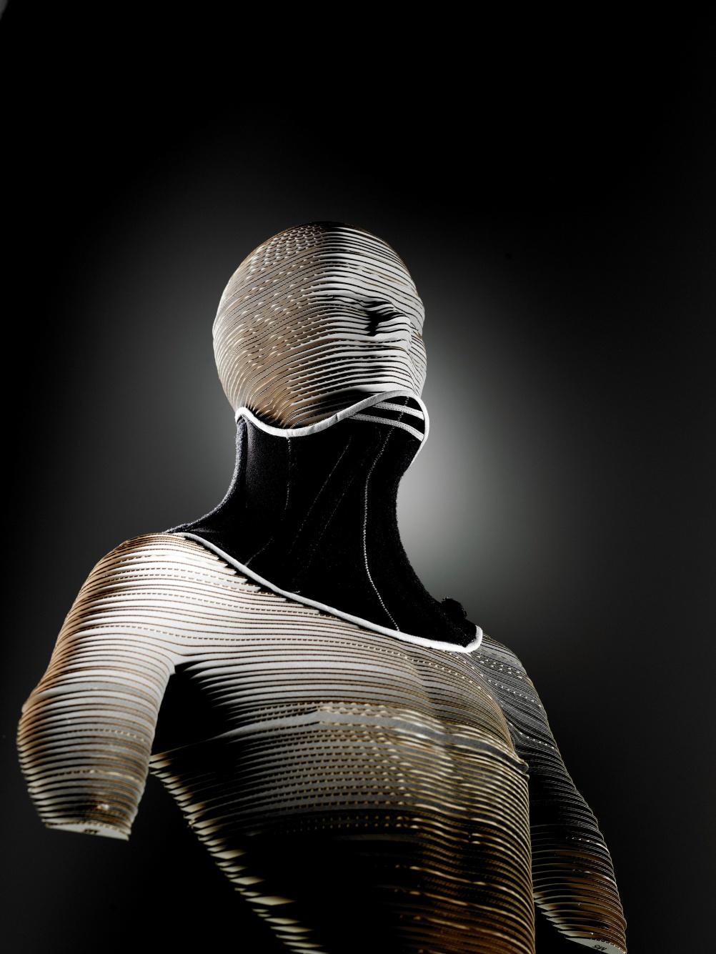 The Sheffield Hallam-designed neck brace (1)