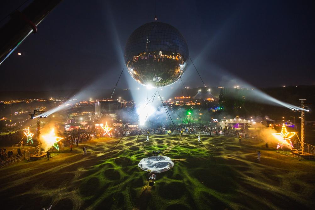 Giant disco ball at Bestival. © Victor Frankowski.