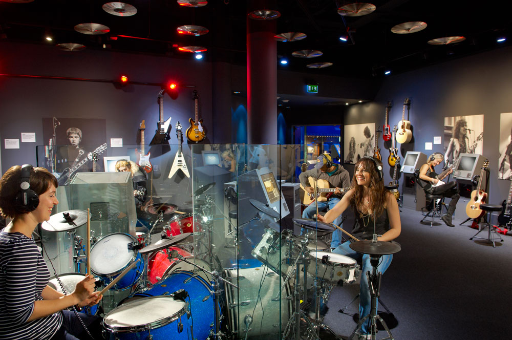 Previous interactive instrument studio