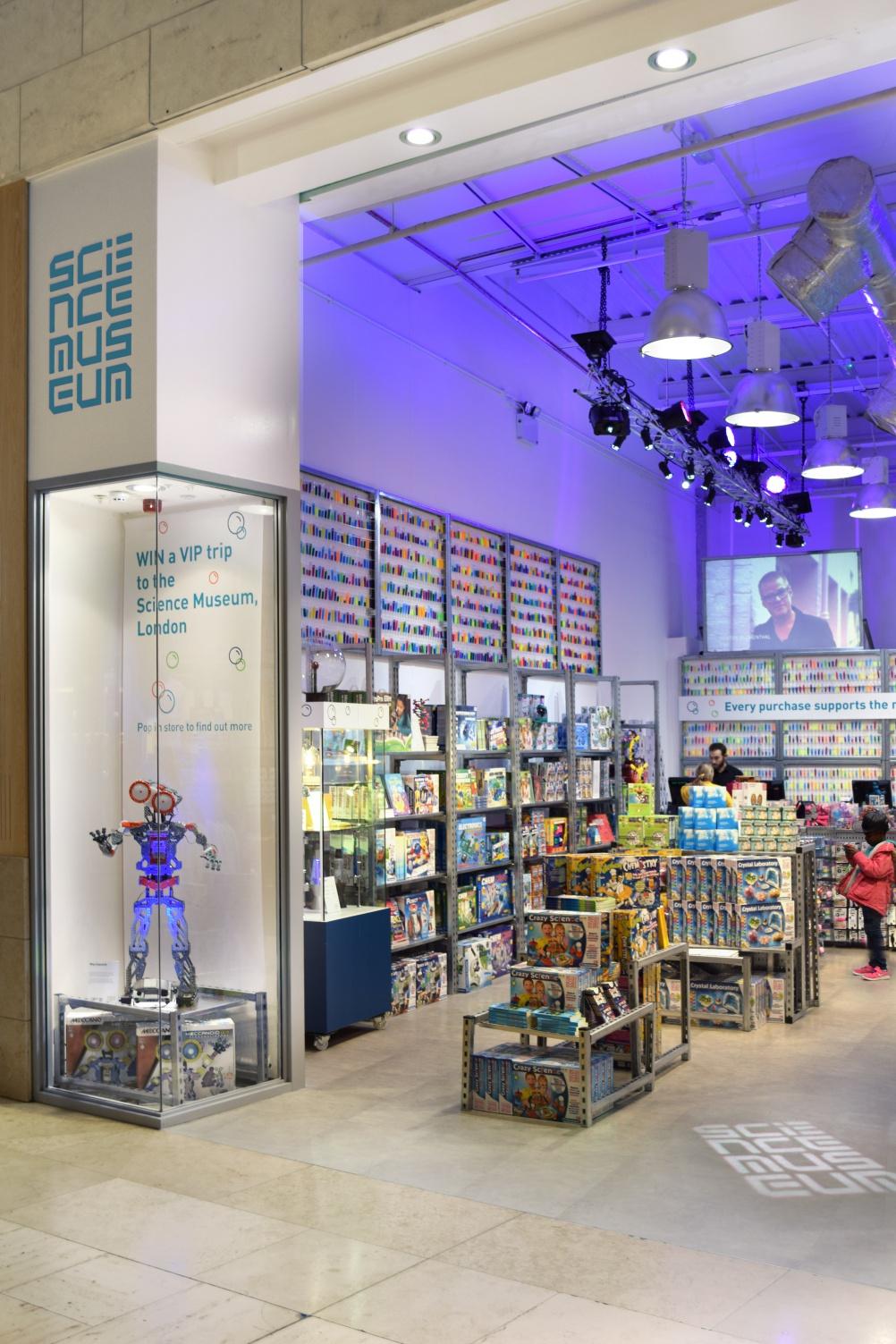 344-02-ScienceMuseumStore-BATStudio