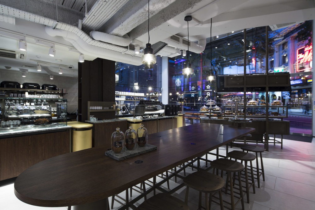 Starbucks Offers Quot Theatrical Quot Dining With New Interiors