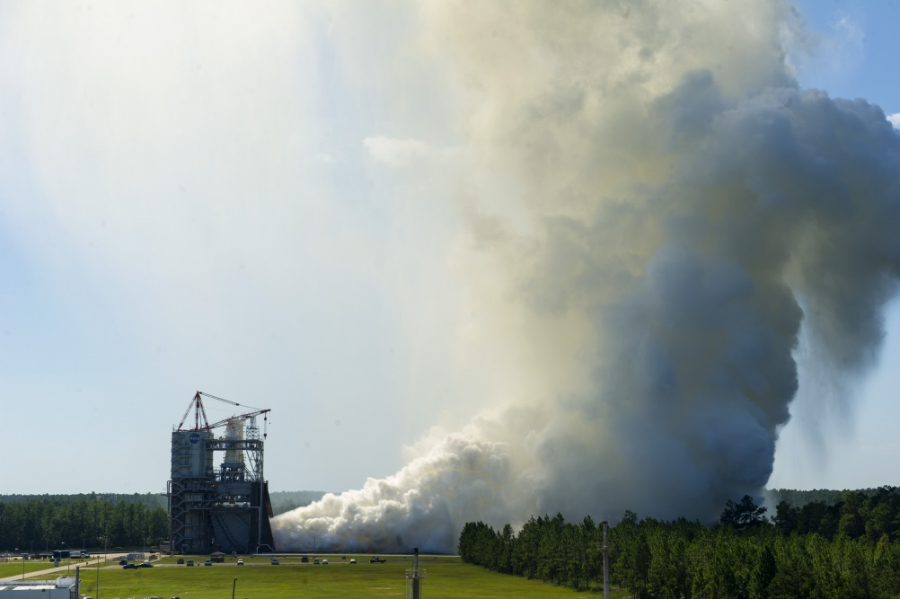 The RS-25 engine fires up for a 535-second test Aug. 27, 2015 at NASA's Stennis Space Center near Bay St. Louis, Mississippi