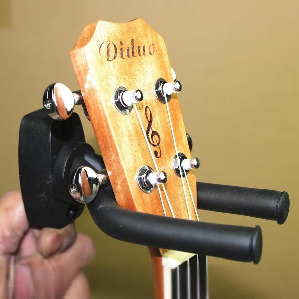 Крепеж гитары на стену