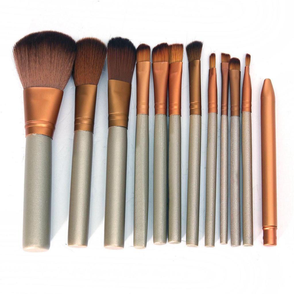 В чем замачивать кисти для макияжа