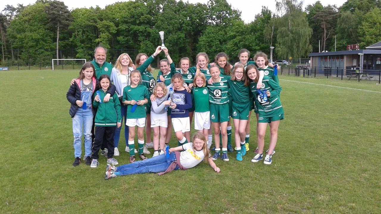 MOC17 (NL) meisjestornooi Meisjes Miniemen en Cadetten