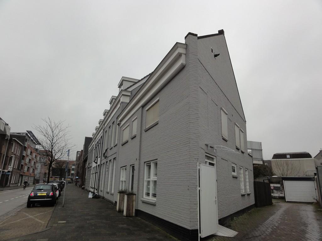 Meerten Verhoffstraat 2