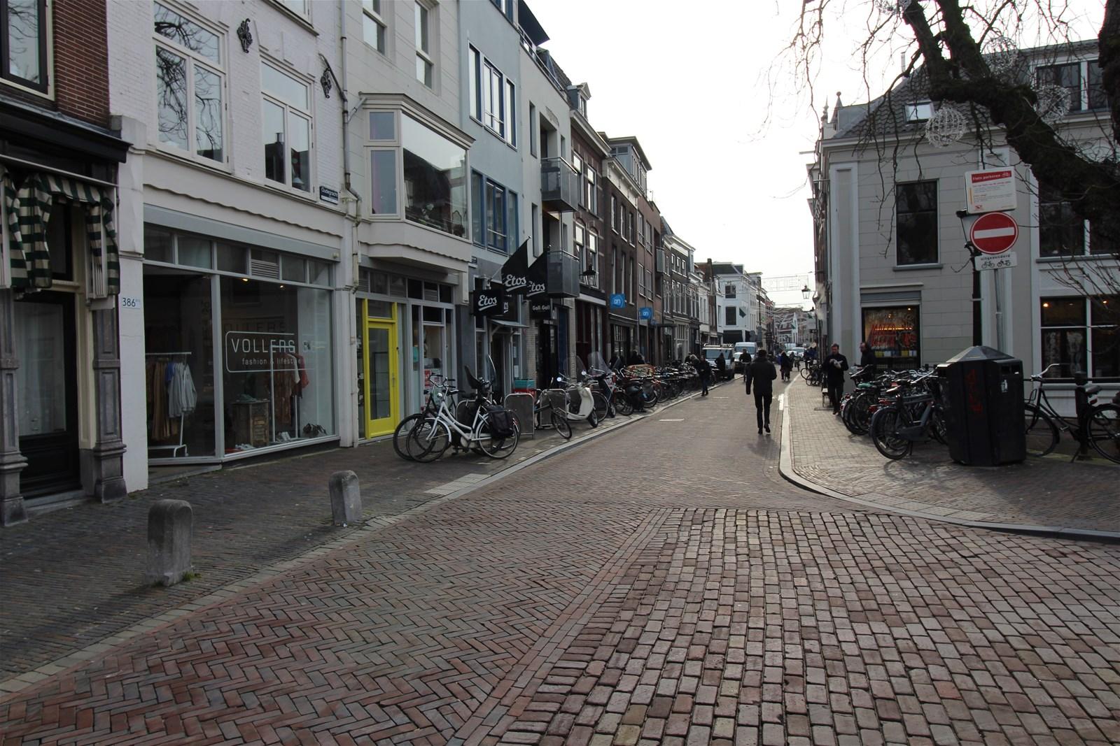 Lange Rozendaal 2