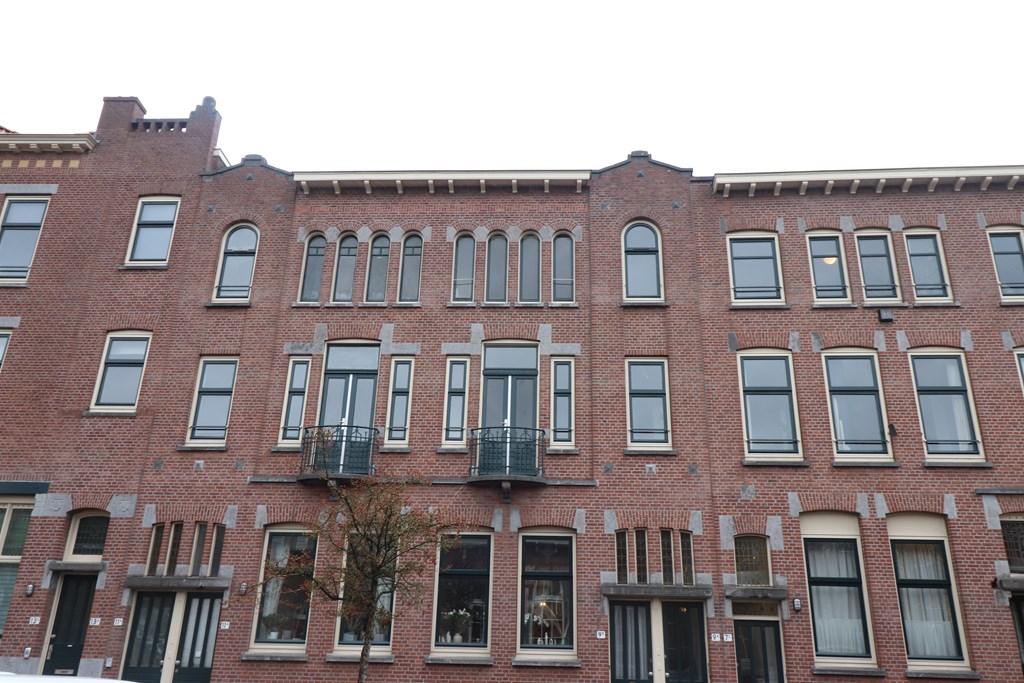 C.P.Tielestraat 9