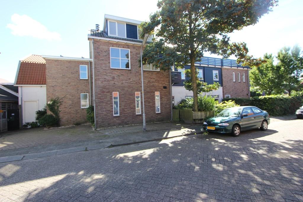Dorpsstraat 712