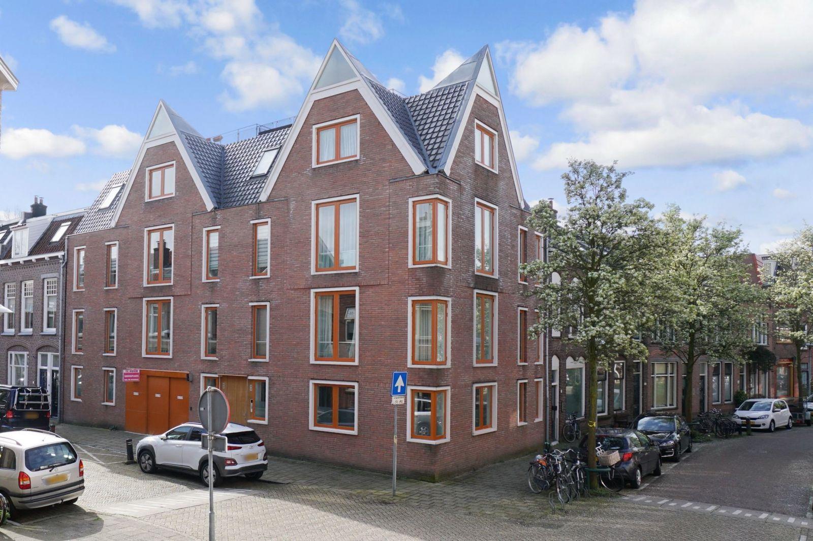Van Leeuwenhoeckstraat 14