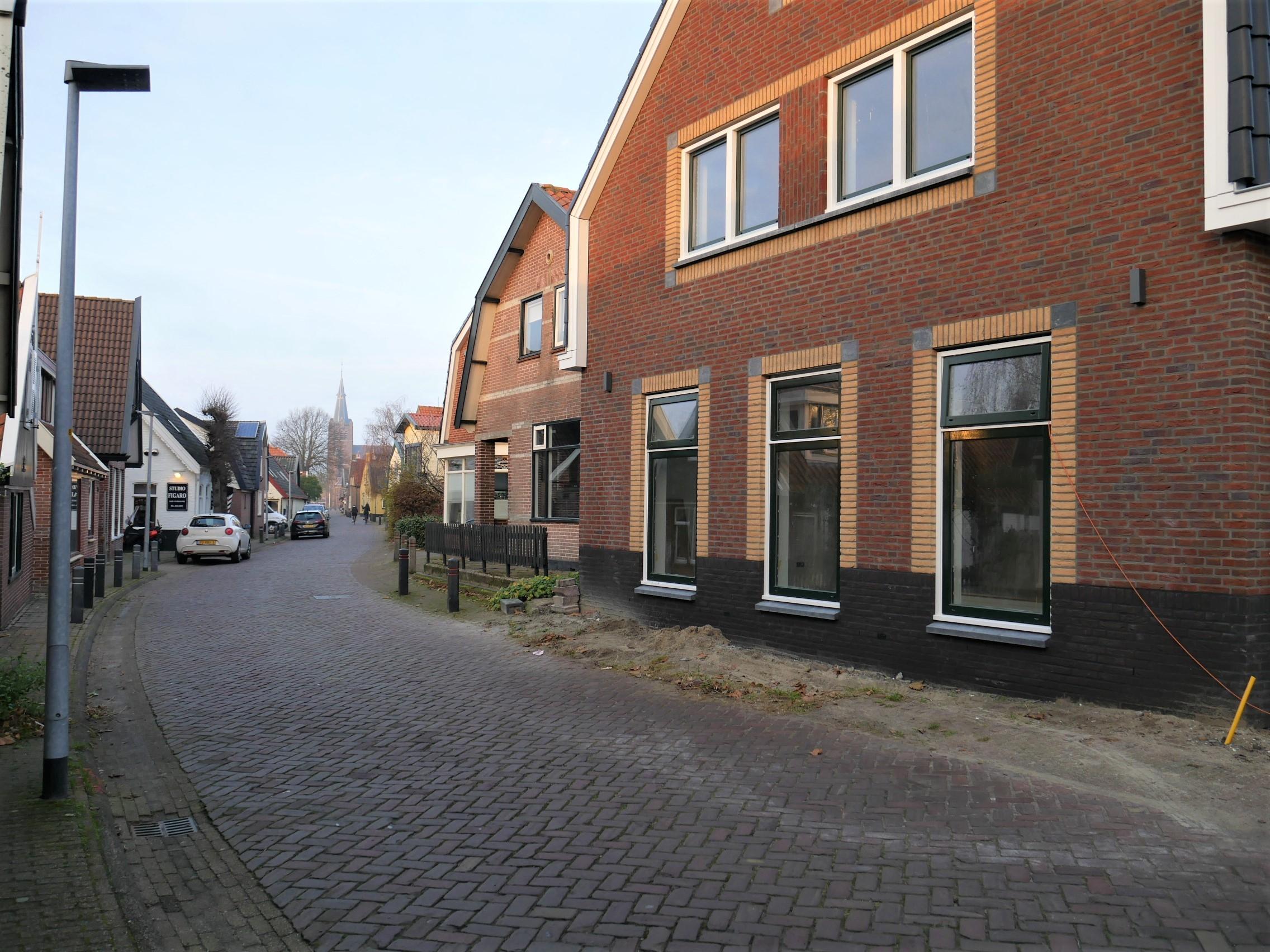 Dorpsstraat 452