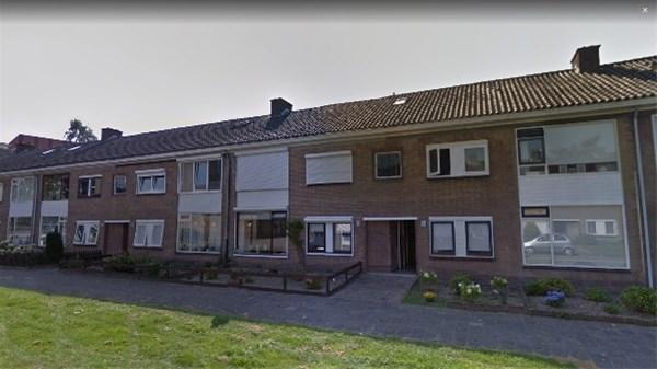 J.H.W. Robersstraat 156
