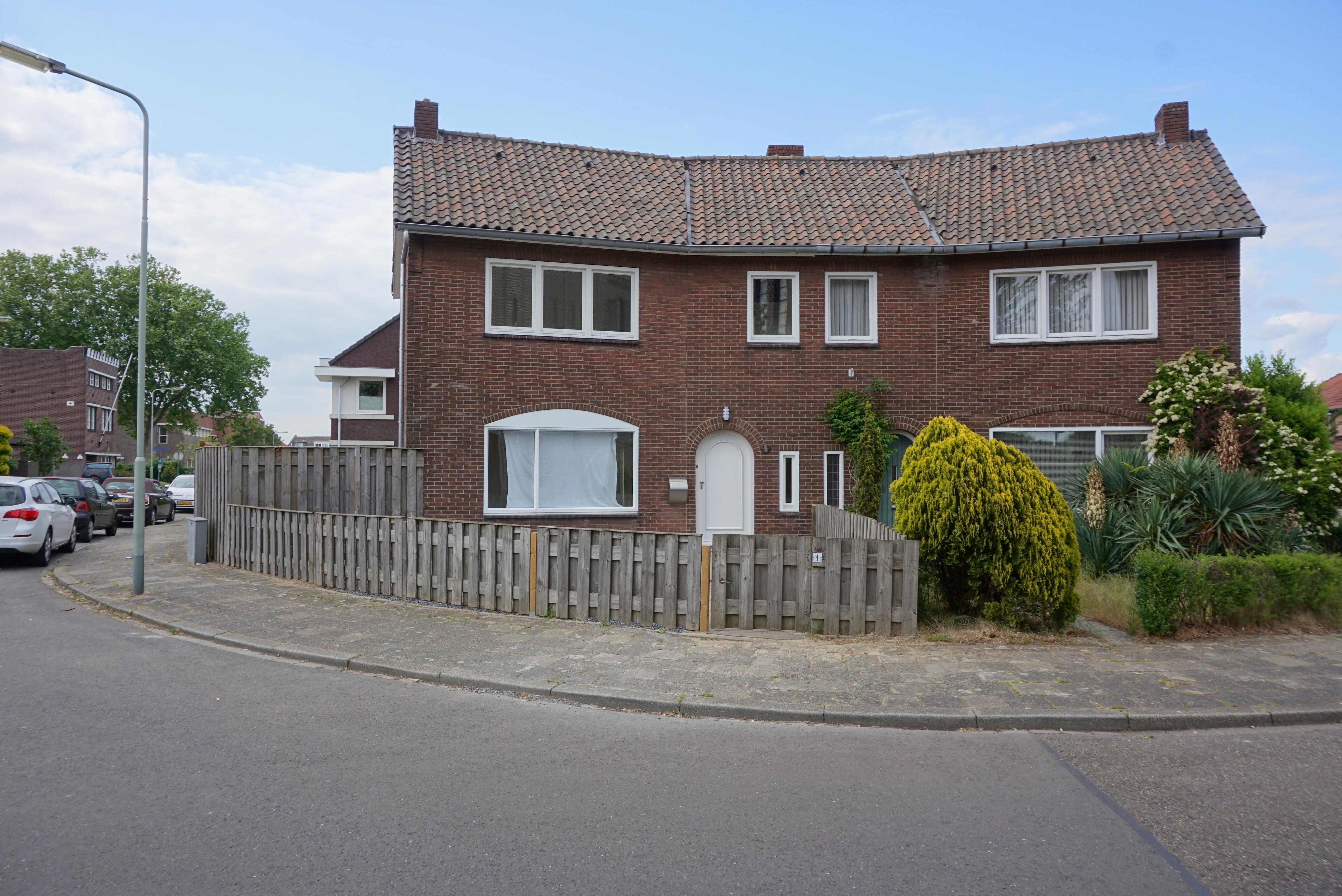 Rector Meuffelsstraat 1