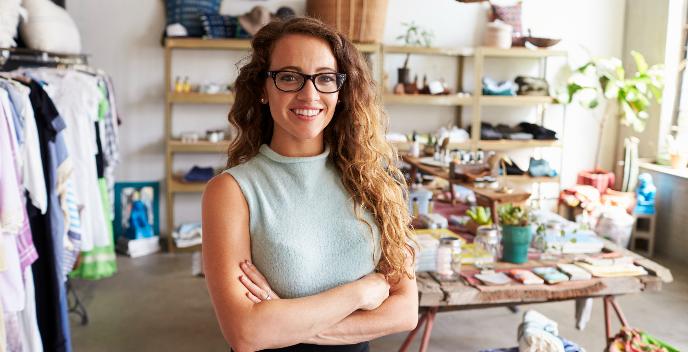 Tecrübeli kadın satış elemanı