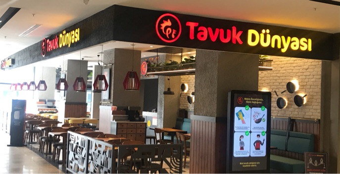 Tavuk Dünyası Tavacı ve Garson Ekip Arkadaşları