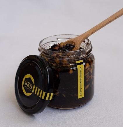 Deser miodowy: śmietanka miodowa. Objętość 130 gramów i 230 gramów