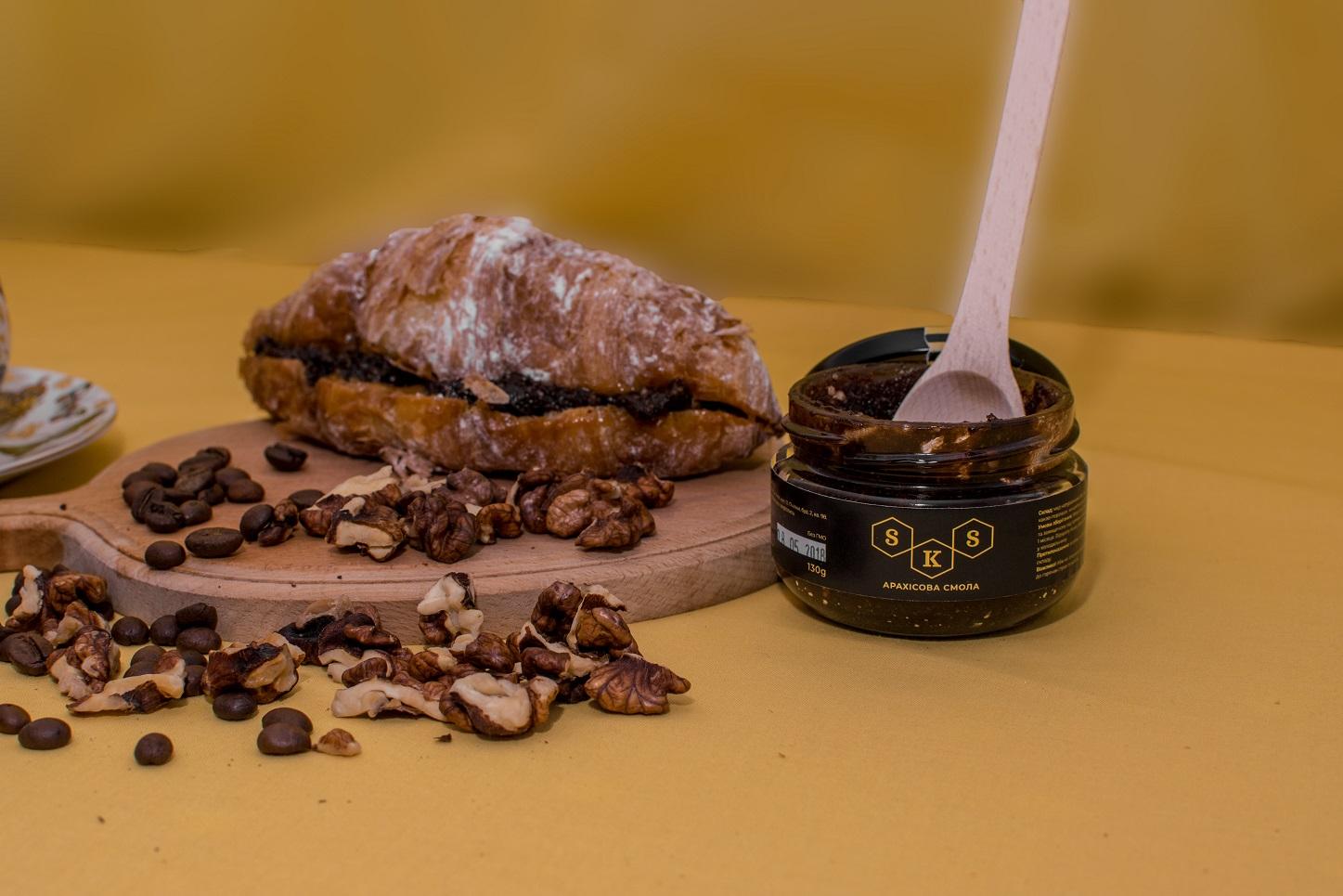Deser z miodem: guma orzechowa. Objętość 130 gramów i 230 gramów
