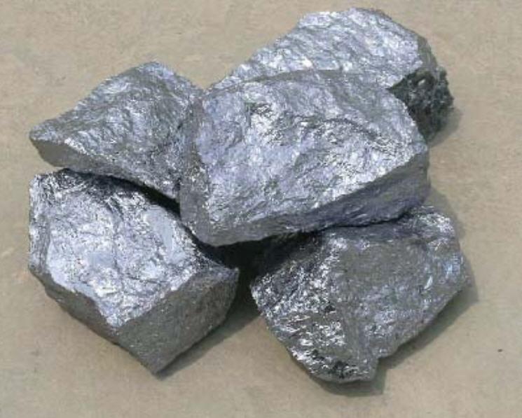 ferrosilicomanganese-zelazomangan-masa-elektrod-material-scierny-tluczen-i-piasek