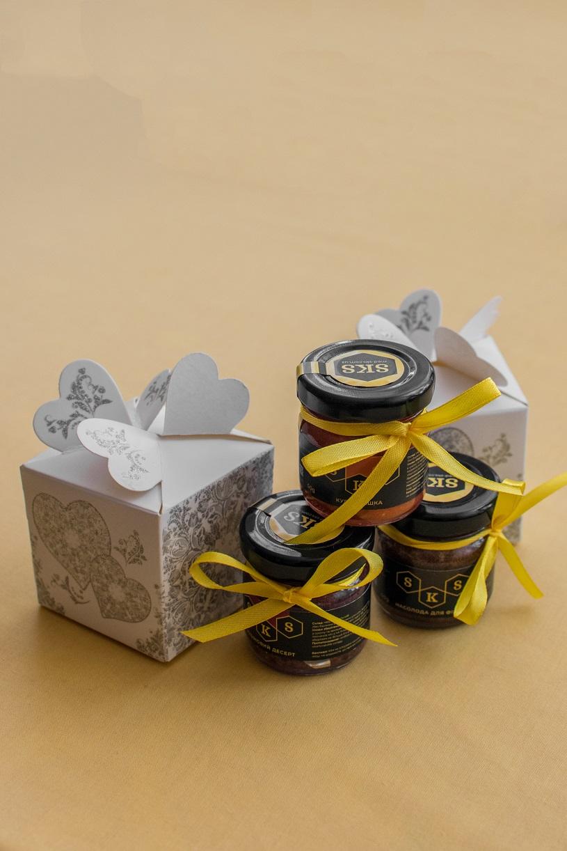Desery miodowe w mini słoiczkach o pojemności 50 gram