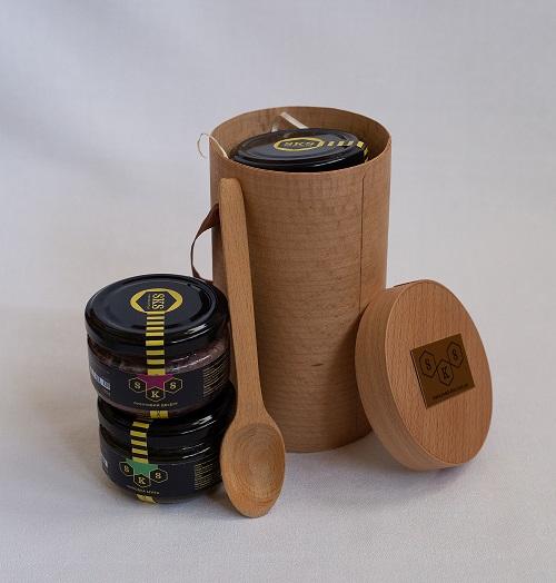 zestaw-miodowych-deserow-w-pudelku-z-fornirem-tube