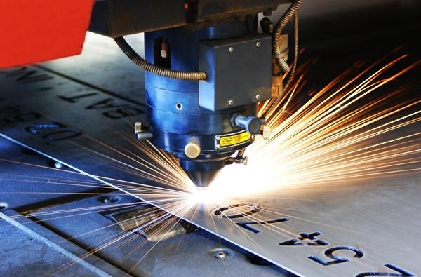 Pośrednictwo w zakupie spółki z branży obróbki metalu