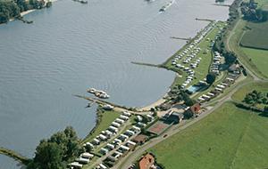 1.Midden in de Gelderse Poort: Camping Waalstrand