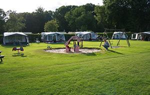 3.Ruime kampeerplaatsen op Camping de Helfterkamp