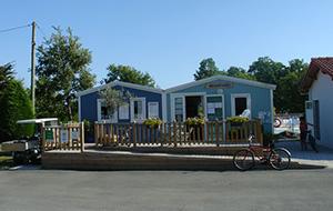 http://www.zoover.nl/frankrijk/poitou-charentes/st-georges-doleron-ile-doleron/le-domaine-doleron/camping