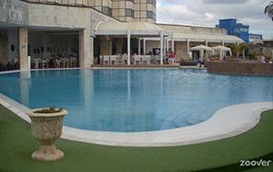 Hotel Melia Cohiba ligt in de wijk Vadado